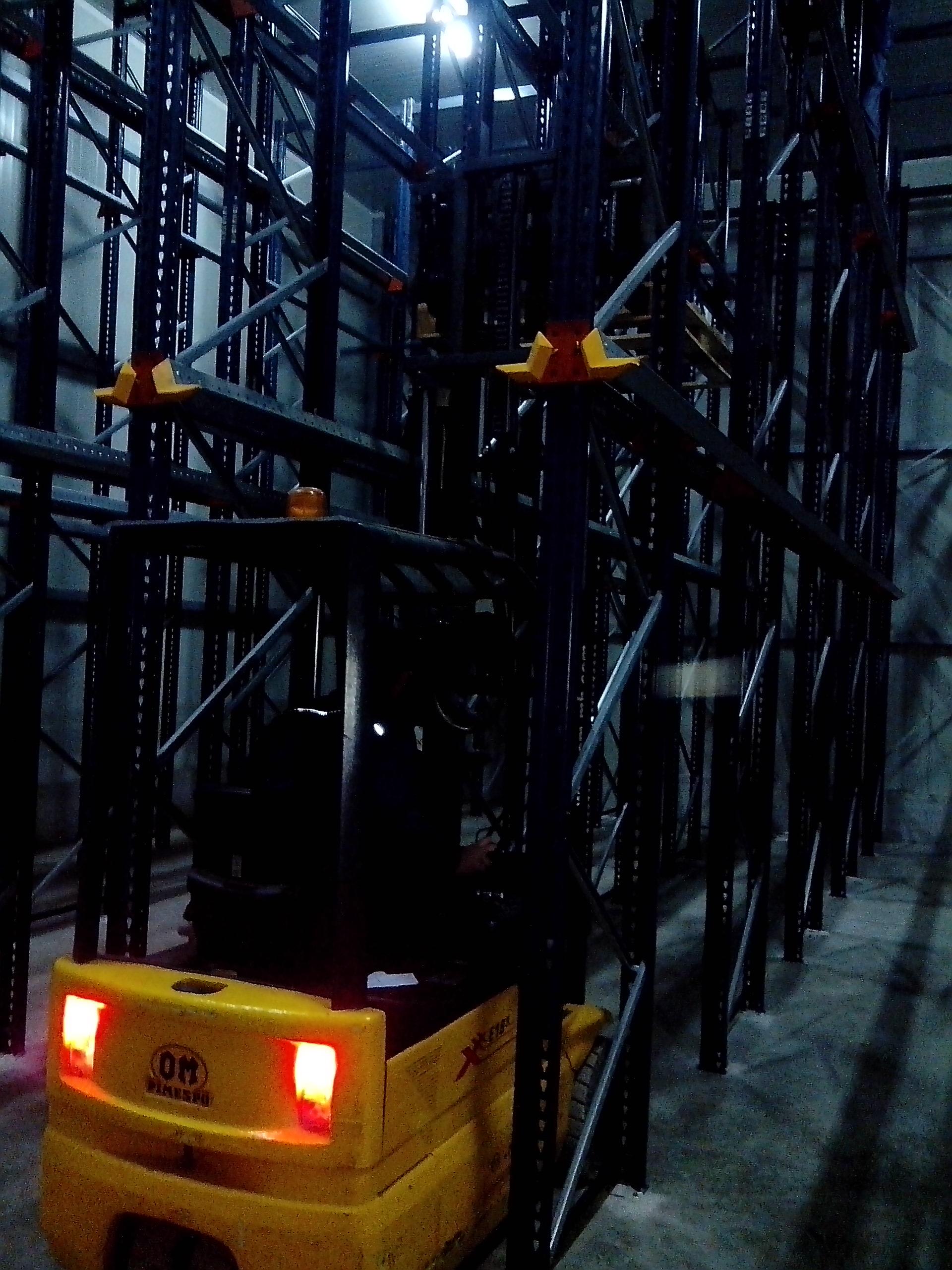 Drive in-staker u tunelu